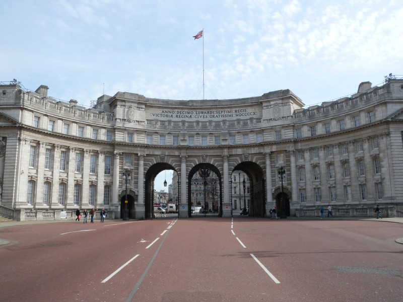 Admiralty Arch Mall side