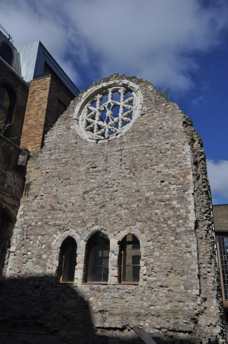 Winchester Palace Ruin - Clink Street - Day