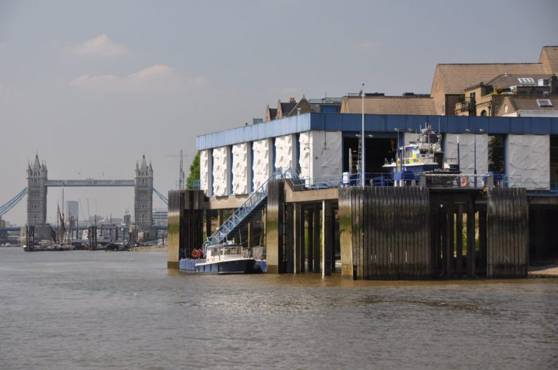 London Runs and Photo Routes - River Police Launch and Tower Bridge