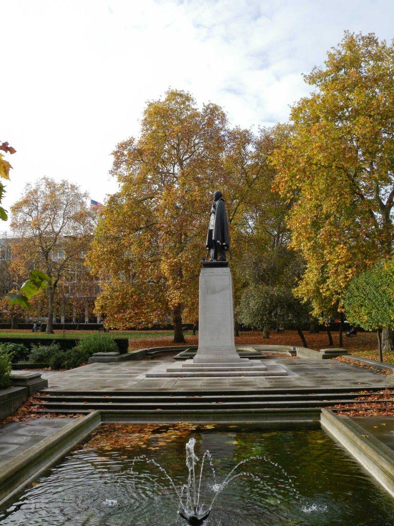 Water feature Grosvenor Square Garden