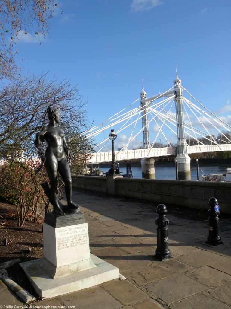 Albert Bridge & Atalanta - by Francis Derwent Wood