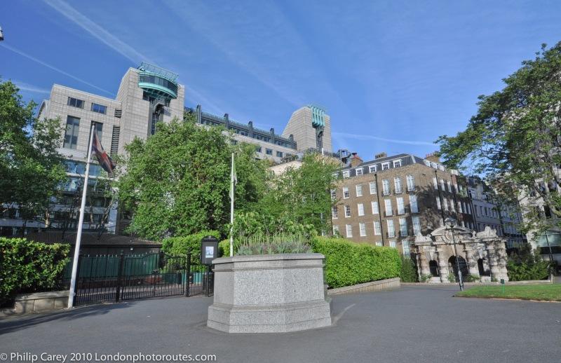 York Watergate view from Victoria Embankment Gardens