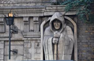 London Dungeons Entrance - Figure