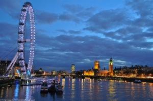 London Eye from Golden Jubilee Bridge - Dusk