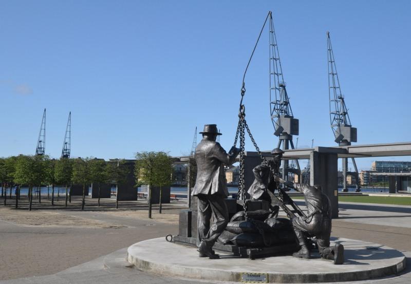 Dockers Statue, Victoria Dock