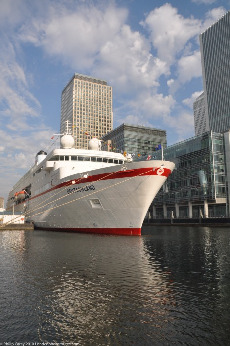 Visiting boats to the Financial centre -