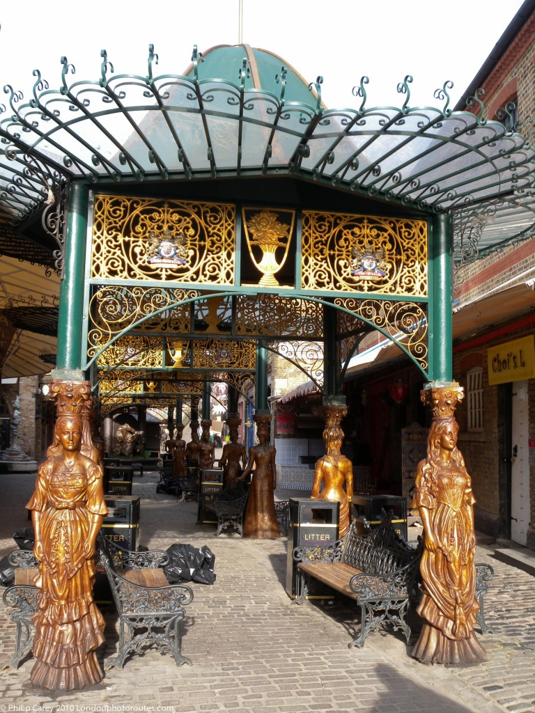 Women Sculptures - Roof and seating in The Stables Market