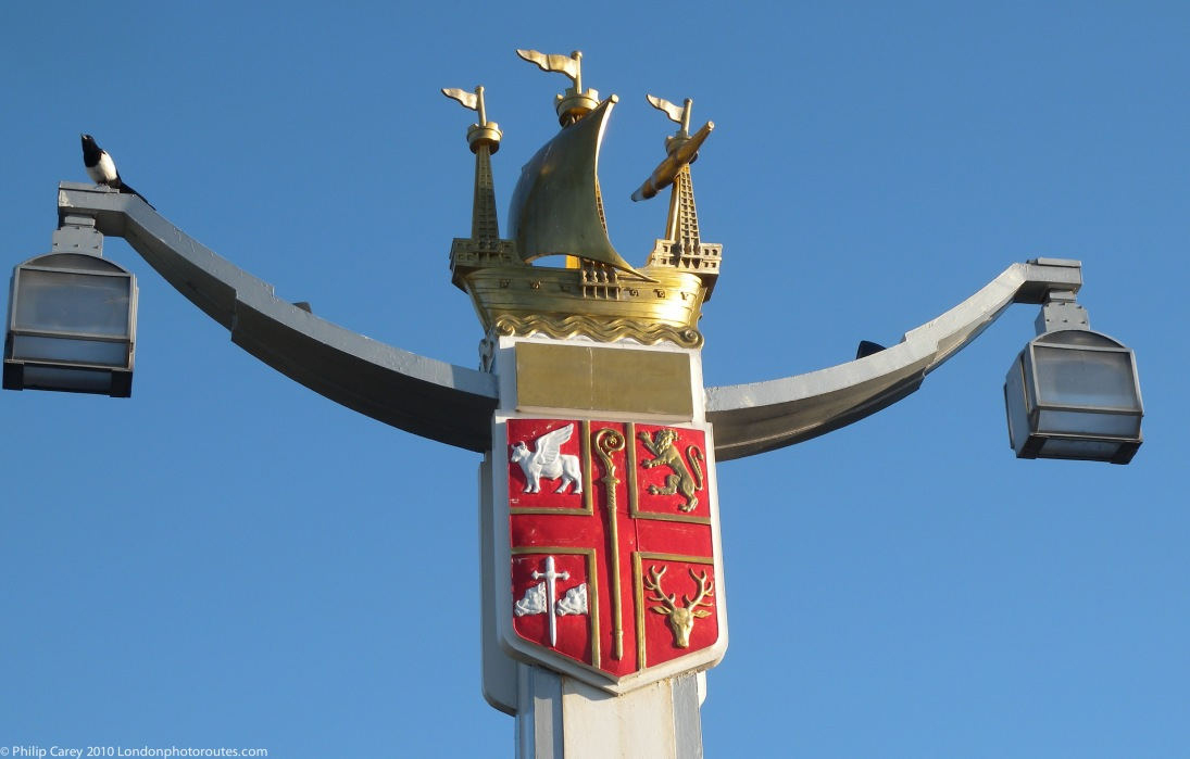 Coat of arms of the Metropolitan Borough of Chelsea on a Chelsea Bridge lamp post