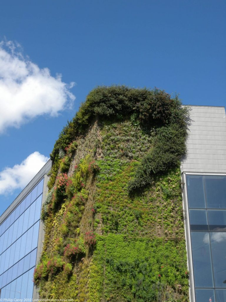 London Runs and Photo Routes - Office Building - Vertical Garden - Orchard Place underneath Lower Lea Crossing