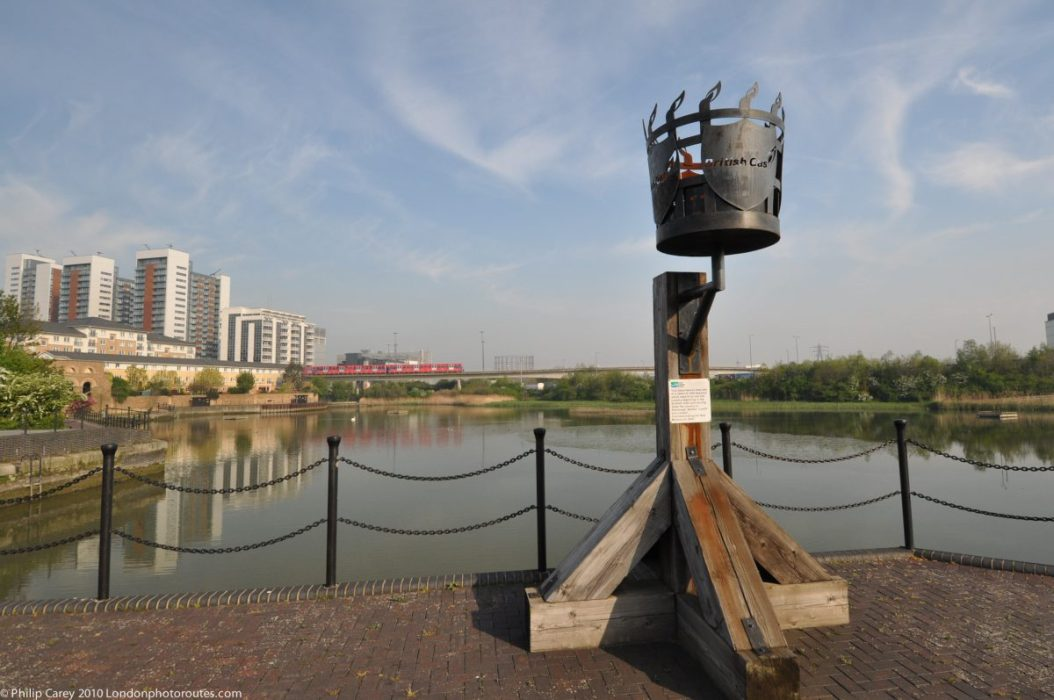 London Runs and Photo Routes - Basin and beacon - Orchard Wharf - East India Dock