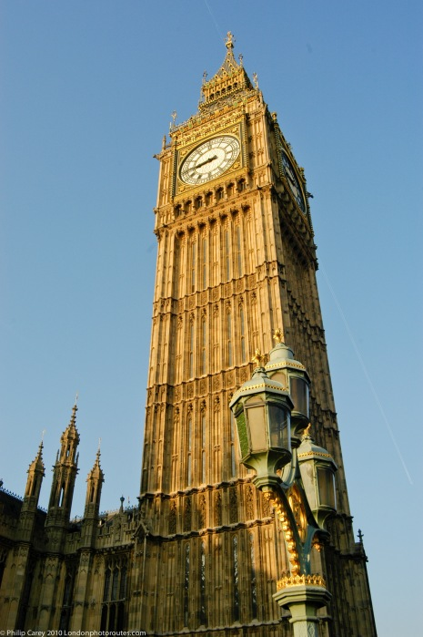 Big Ben on Elizabeth Tower from Westminster Bridge
