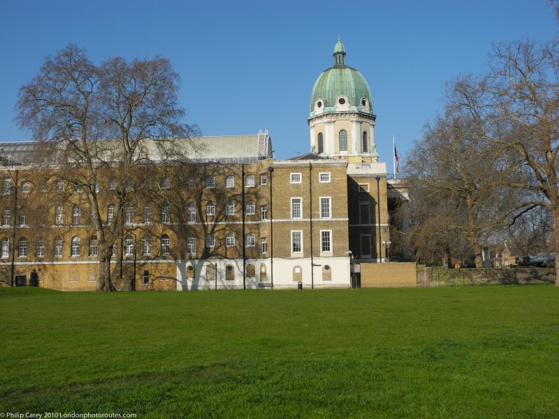 Side view of Imperial War Museum