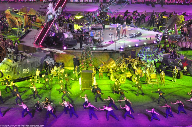 Coldplay and Dancers