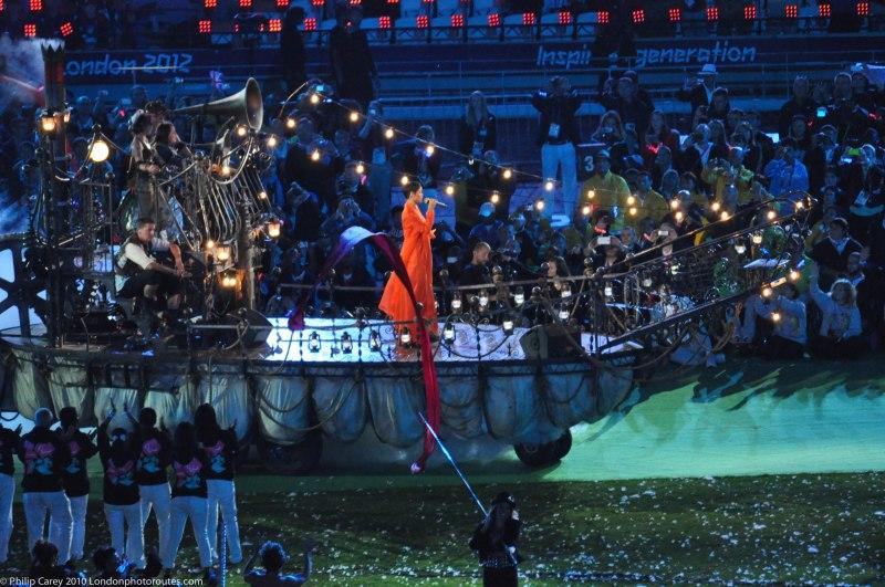 Rihanna entres the Stadium on a ship