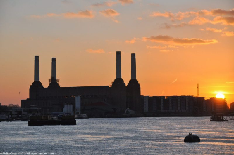 London Runs and Photo Routes - Battersea Power-station - Sunset from Vauxhall Bridge
