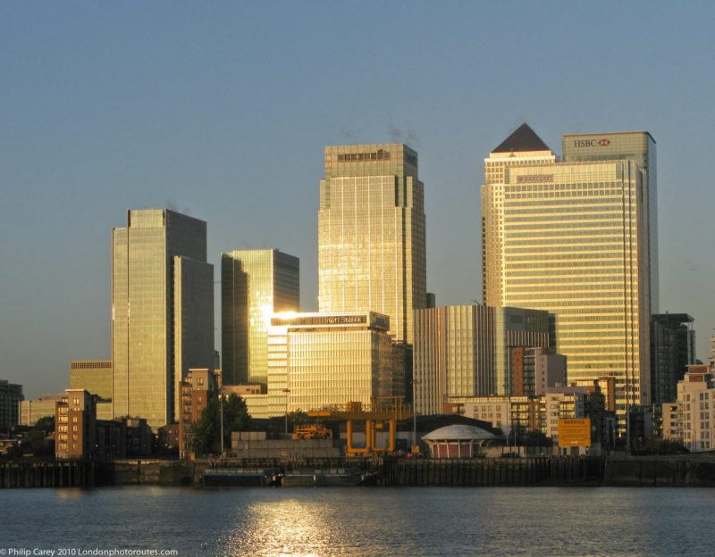London Runs and Photo Routes -Canary Wharf - Sunrise on the Buildings