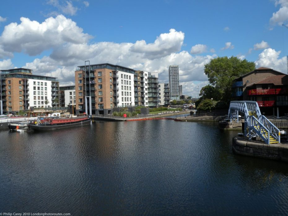 London Runs and Photo Routes - View from Blackwall Basin towards Poplar Dock