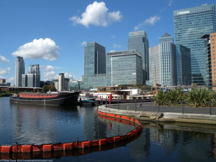 London Runs and Photo Routes - Alternative View to Canary Wharf across Blackwell Basin