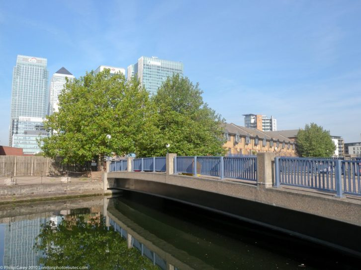 London Runs and Photo Routes - Preston Road - view of Canary Wharf