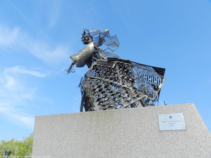 London Runs and Photo Routes - Figurehead for Docklands by Anna Bisset 1997