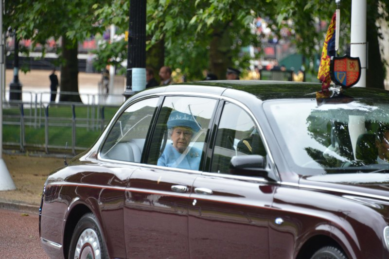 Household Calvary Standard Parade - Queen leaves 2