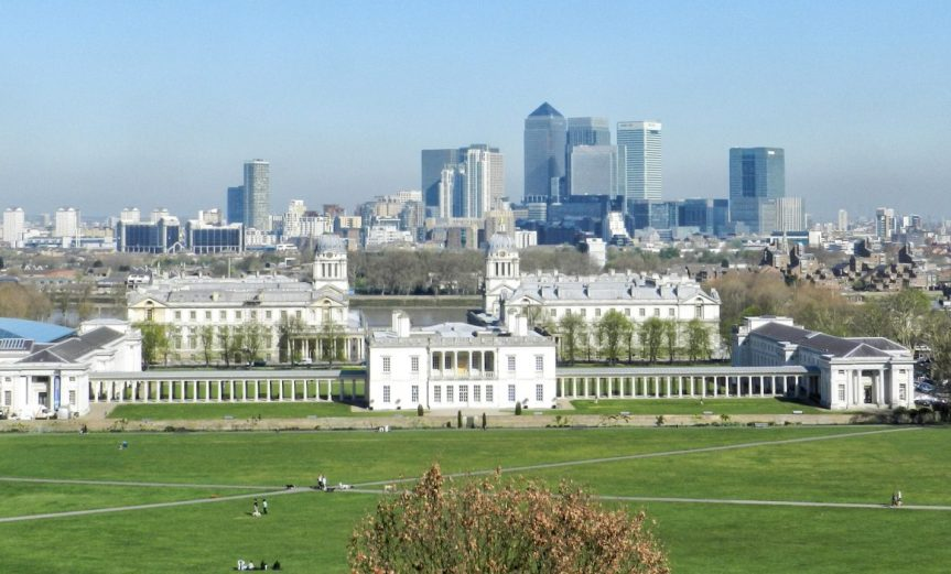 London Runs and Photo Routes - View from The top Of Greenwich park towards Docklands